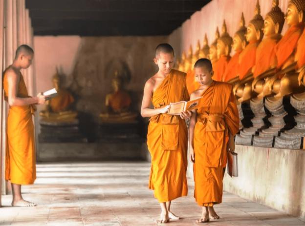 Syarat Menjadi Bhikku Dan Bhikkuni Pendeta Dalam Buddha